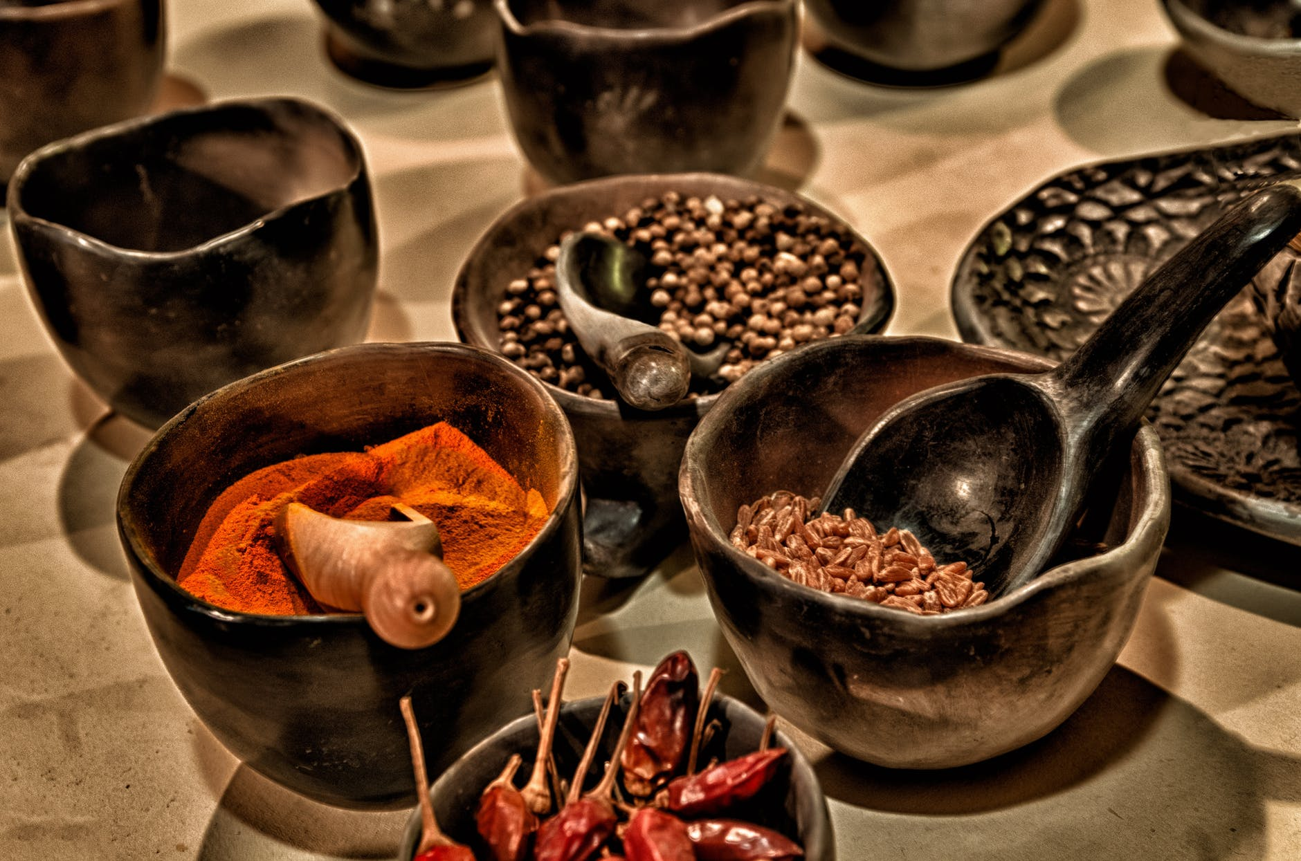 Spices, ground and whole
